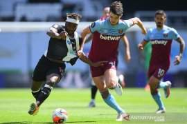 Imbangi Newcastle, West Ham tambah jarak aman degradasi