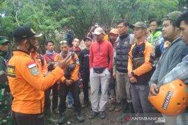 Seorang pendaki ditemukan selamat tanpa baju di Gunung Guntur Garut