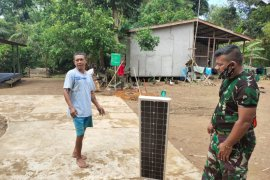 PJU solar cell di Desa Beringin Rayo mulai dipasang