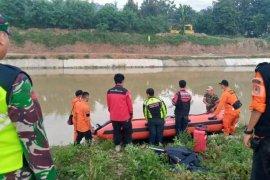 Tim SAR cari nenek tenggelam di Sungai Irigasi