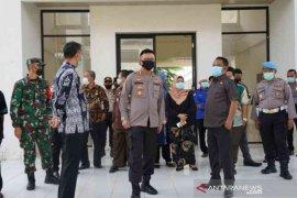 Pemkab Bekasi belum beri izin warga adakan resepsi
