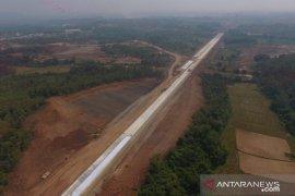 Pembebasan lahan paket 3 Tol Japek II Selatan sudah capai 76,99 persen