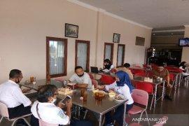 Antisipasi COVID-19, rumah makan Siang Malam Sipirok terapkan protokol kesehatan