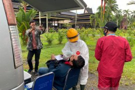 Dinas Kesehatan Kota Pontianak isolasi empat warga positif COVID-19
