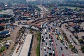 Percepat akses Kertajati, Presiden Jokowi tagih penyelesaian tol Cisumdawu