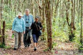 Pramuwisata dibekali pelatihan daring Pemandu Wisata City Tour