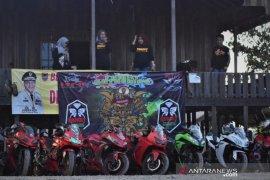 "Keseruan jelajah komunitas motor ""Bandit Batola"" di wisata Bukit Mawar"
