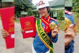 Rizky Aulia Syachwani, Putri Pariwisata lulus 'cumlaude' Akademi Militer