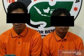Polres Bengkayang ringkus dua pemakai narkoba di Karimunting