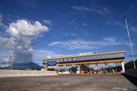 Presiden Jokowi sebut Tol Manado-Bitung pangkas biaya logistik