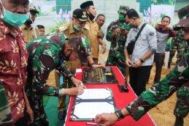 Pangdam II/Sriwijaya  Mayjen TNI Irwan  serahkan kawasan terpadu SAD ke Pemkab Sarolangun