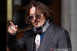 Johnny Depp dituduh serang istri saat  mabuk di pesawat
