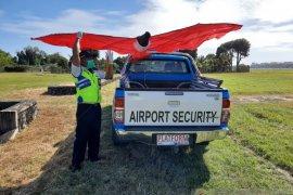 Bandara Bali-Desa Adat: layang-layang bahayakan penerbangan