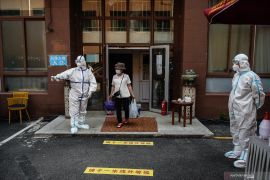 China laporkan penurunan kasus baru COVID-19, dan nihil di Beijing