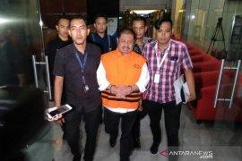 Penahanan Bupati Bengkalis nonaktif Amril Mukminin dipindahkan ke Rutan Pekanbaru