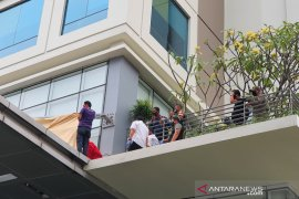 Polisi periksa lima orang terkait jatuhnya seorang wanita di Kebon Melati