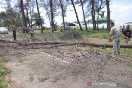 BMKG Tanjungpandan Belitung ingatkan nelayan untuk waspada gelombang tinggi