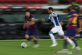 Barca pastikan Espanyol terdegradasi dan pangkas jarak dengan Real Madrid