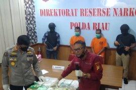 15,8 kilogram sabu asal Malaysia disita polisi Riau, tersangka disel