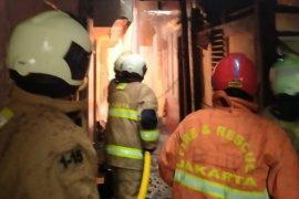 25 rumah di di kawasan padat hunian Rawamangun ludes terbakar