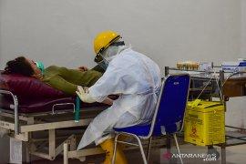 RSUD Arifin Achmad turunkan tarif tes cepat COVID-19