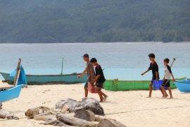 Memupuk rasa aman dari COVID-19 di pulau terluar Lampung