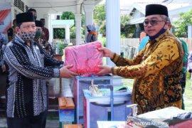 Sambut tahun ajaran baru,  Pemkab Aceh Barat bagikan APD COVID-19 untuk puluhan ribu siswa