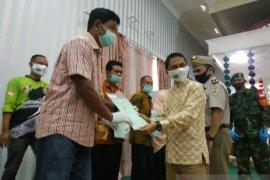 Warga di Kabupaten Gorontalo terima 2.010 sertifikat tanah
