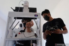 Universitas Udayana uji coba penggunaan robot COVID-19