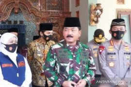 Kunjungan ke Madiun, Panglima TNI apresiasi protokol kesehatan di pondok pesantren
