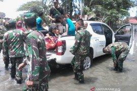 Banjir rob rusak puluhan rumah di Meulaboh Aceh Barat