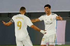 Real Madrid perlebar jarak klasemen dari Barcelona