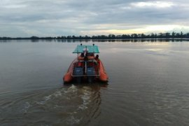 Tim SAR cari 16 ABK dan penumpang KM alami kerusakan mesin