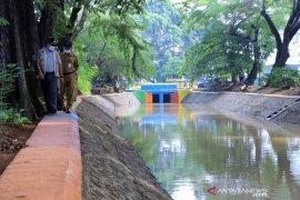 Pemkot Tangerang jadikan saluran irigasi sipon tempat pembibitan ikan
