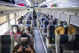 KAI Cirebon pastikan jadwal perjalanan kereta arah Jakarta belum berubah