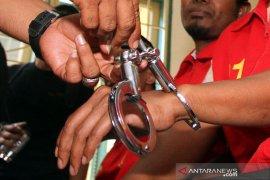 Polisi Solok berjuang 3 hari 3 malam untuk bawa barang bukti eskavator dari tambang emas illegal