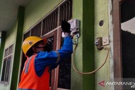 PLN beri sambungan listrik gratis puluhan madrasah di Jatim