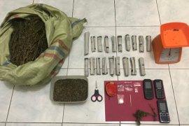 Polisi tangkap tiga pengedar narkoba di Lhokseumawe