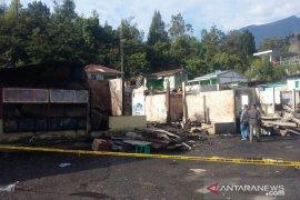 Pemilik kios terbakar di Kebun Raya Cibodas berharap bantuan pemerintah
