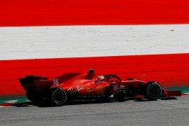 Pebalap Ferrari Leclerc minta maaf menyusul insiden tabrakan dengan Vettel