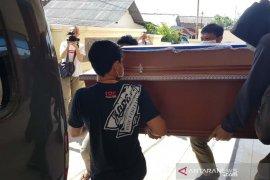 Jenazah terduga teroris yang ditembak di Sukoharjo diambil keluarganya