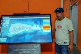 BMKG Malut pasang alat deteksi dini tsunami di Bobong