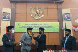 "Heboh Bupati Kapuas Hulu ""suap"" dua pejabat penting di gedung DPRD"