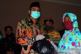 Pemkab Bangka Barat salurkan bantuan jaring pengaman sosial di tiga desa