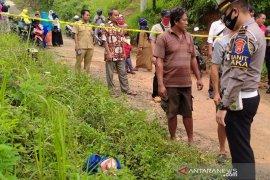Warga digegerkan dengan penemuan mayat bayi didalam tas