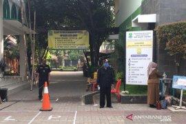 Empat sekolah percontohan Bekasi putuskan tunda KBM tatap muka