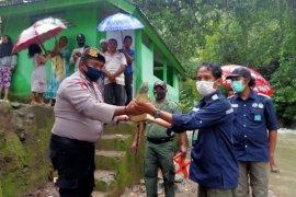 BKSDA Maluku terima buaya dari warga Negeri Larike