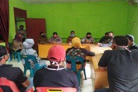50 warga Desa Suka Damai Hinai Langkat tuntut klarifikasi BST