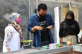 Disperdagin Kota Kediri bekali UMKM fotografi
