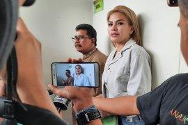 Nikita Mirzani jalani sidang  putusan dugaan penganiayaan Rabu